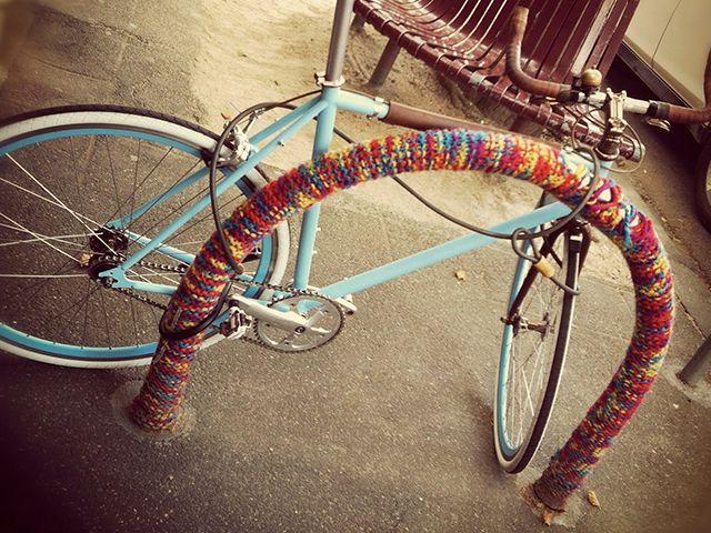 yarn bombing 1
