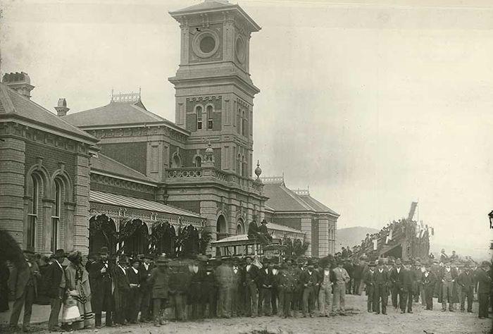 Opening of the Albury-Wodonga link in 1883.